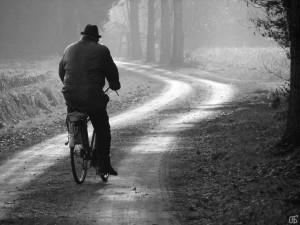 old_man_on_bike_by_claeva